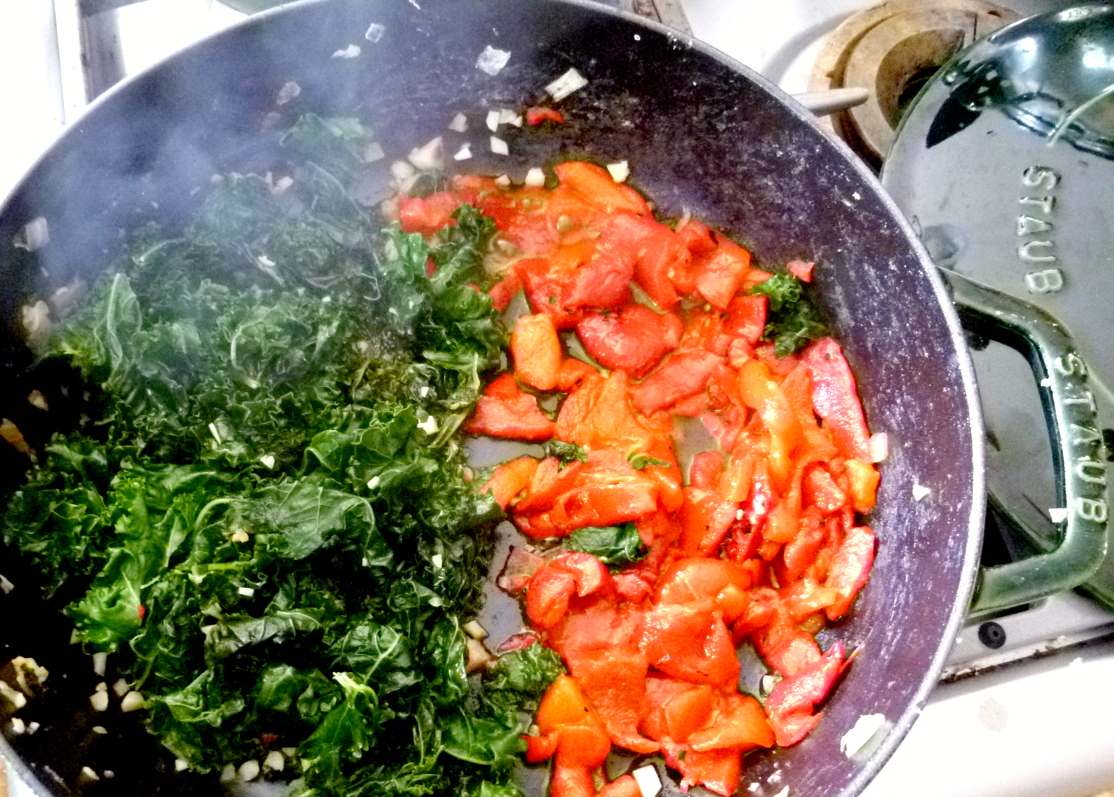 Chickpea, garlic and braised kale spaghetti-kale and peppers